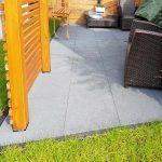 Jakich materiałów użyć do wykończenia podłogi na tarasie?